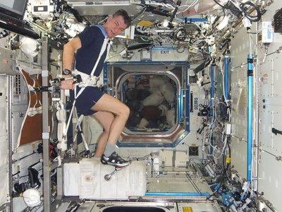 esa space for kids leven in de ruimte de wetenschap