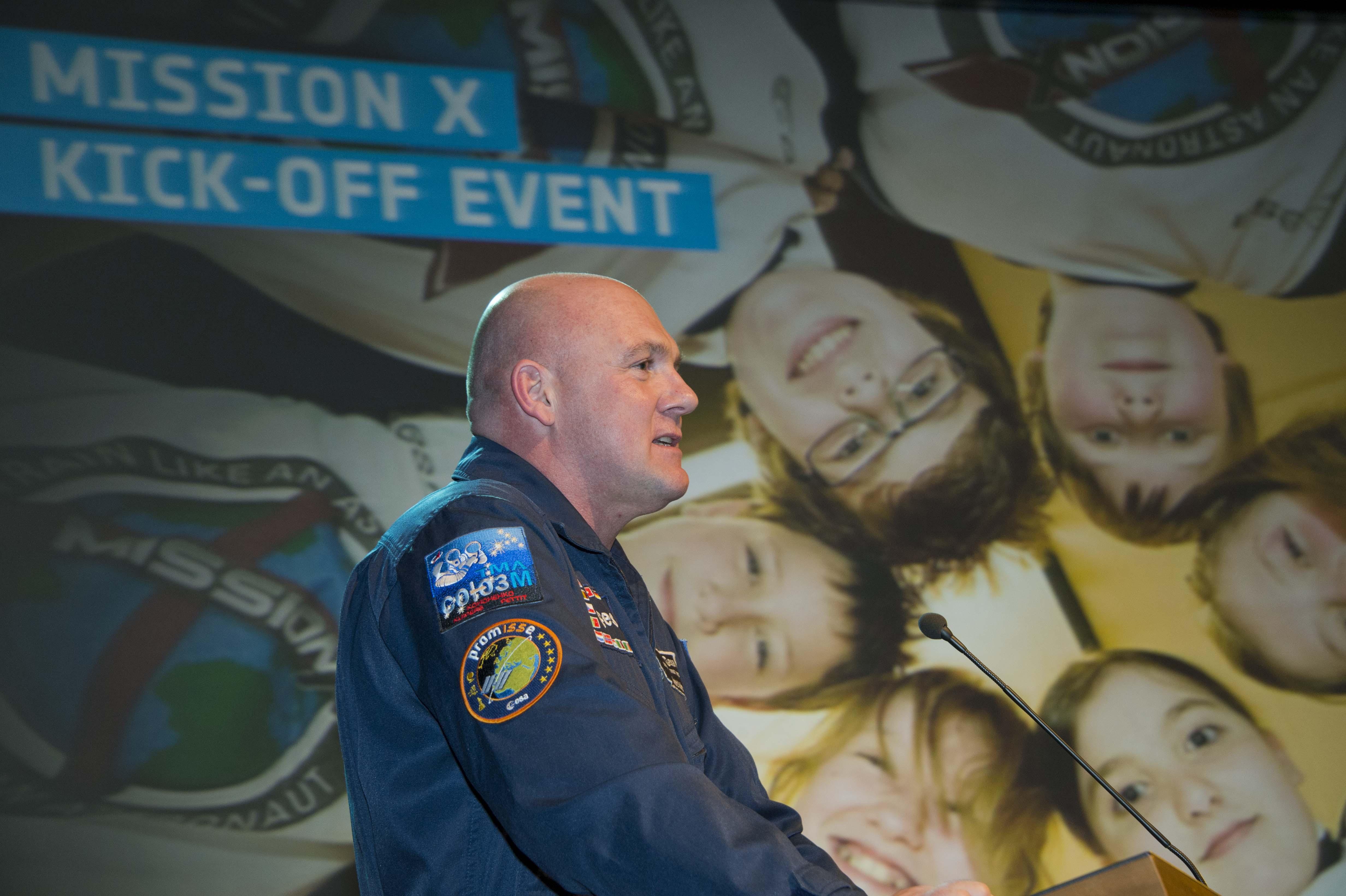 Esa Space For Kids Leben Im Weltraum Runter Vom Sofa Ab Zu Mission X Images