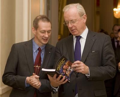 Frank De Winne reçu au Sénat de Belgique. FdW_Senat-20100311_9407_large,0