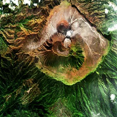 Satellietfoto van de vulkaan Bromo