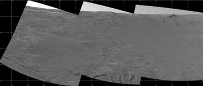 Une vue de l'intérieur du cratère Endurance, prise par Opportunity et transmise à la Terre par Mars Express. (crédit : NASA/JPL)