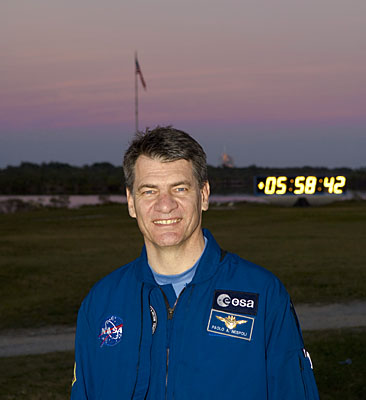 Nespoli in front of countdown clock