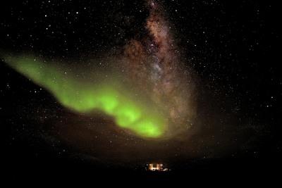 esa_concordia_kumar_aurora_antarctic_iss_large,0.jpg