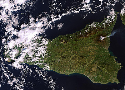 Etna eruption seen by Envisat