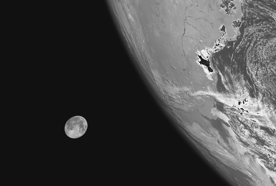 Lancement de MSG-3 durant cette nuit Img_iotd_blue_moon_lrg_H