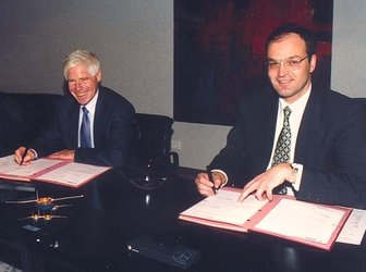Cluster II industrial contract signing