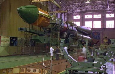 Foton-11 launch vehicle processing