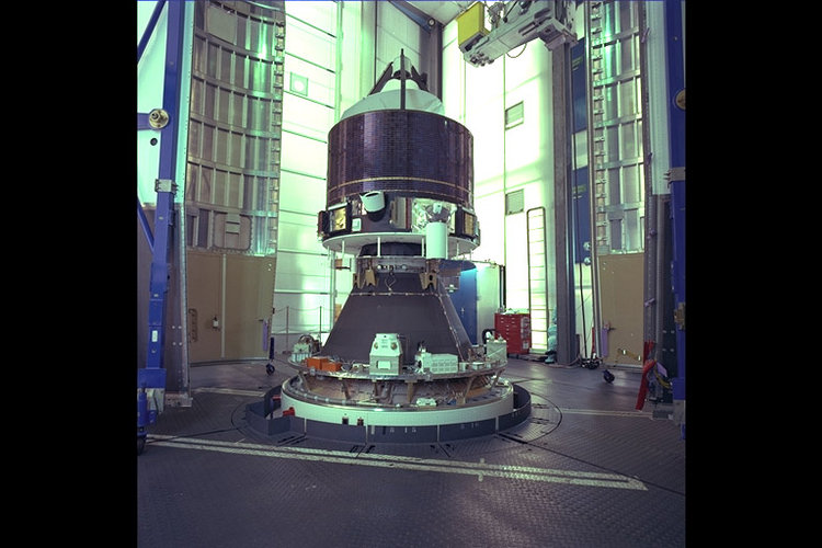 Giotto installed on Ariane