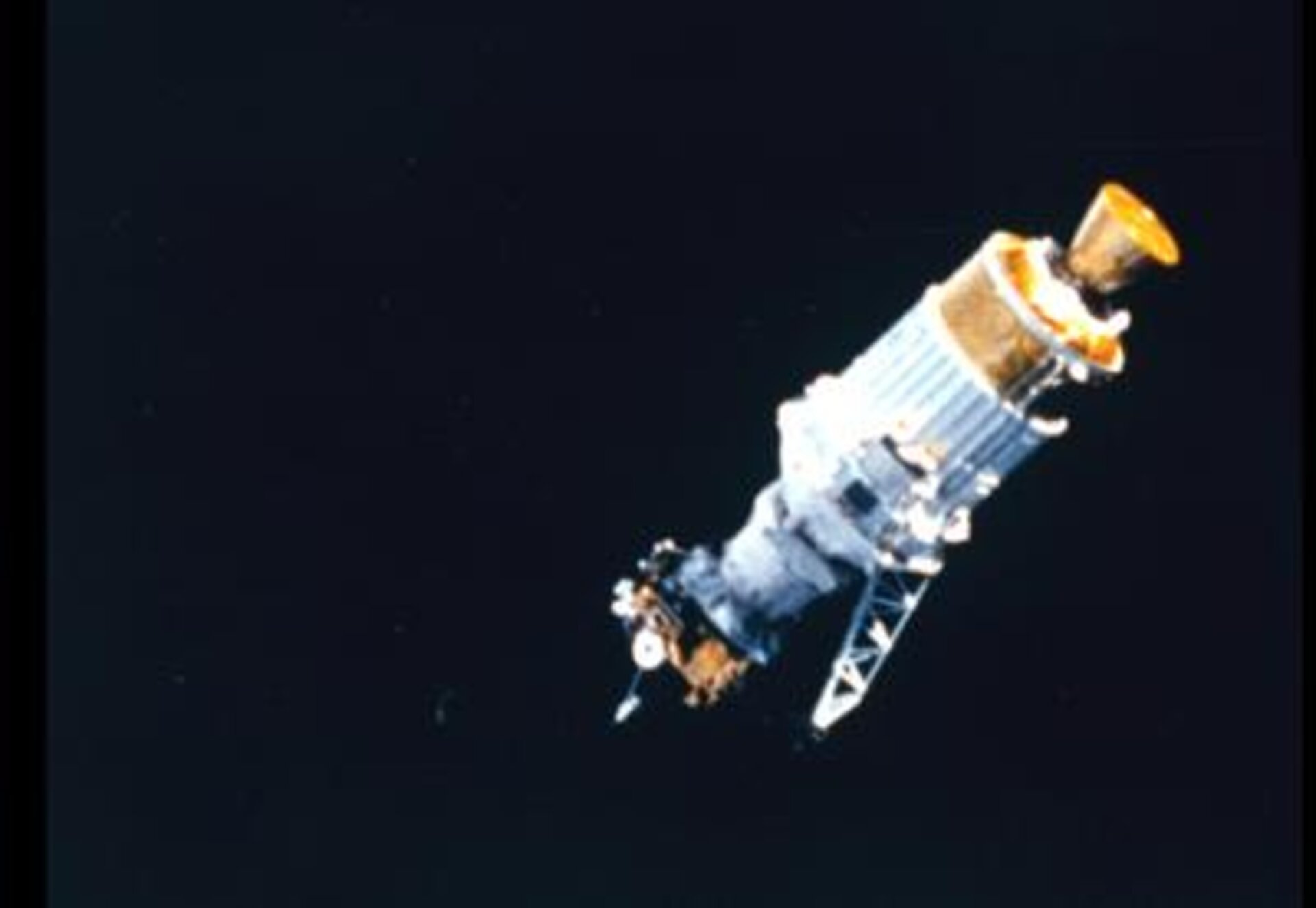 Ulysses release from Space Shuttle