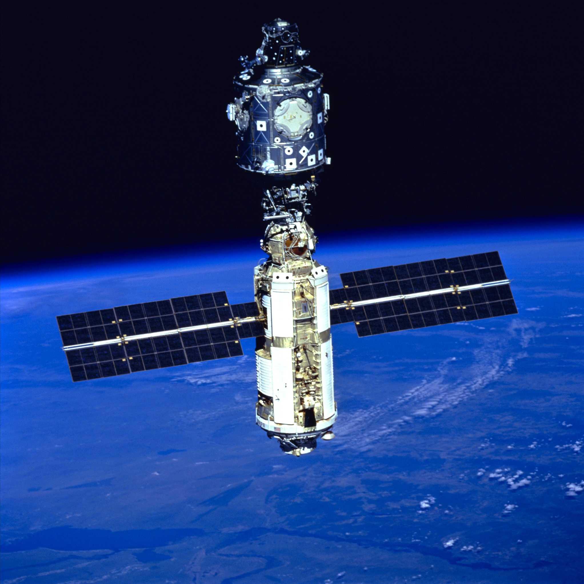 spacecraft international - photo #22