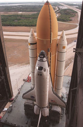 STS-98 Atlantis begins rolling to Launch Pad 39A