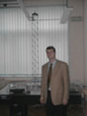 Nicolas Loix in front of an experimental active damping truss