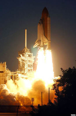 STS-108 Endeavour lifts off on 5 December 2001