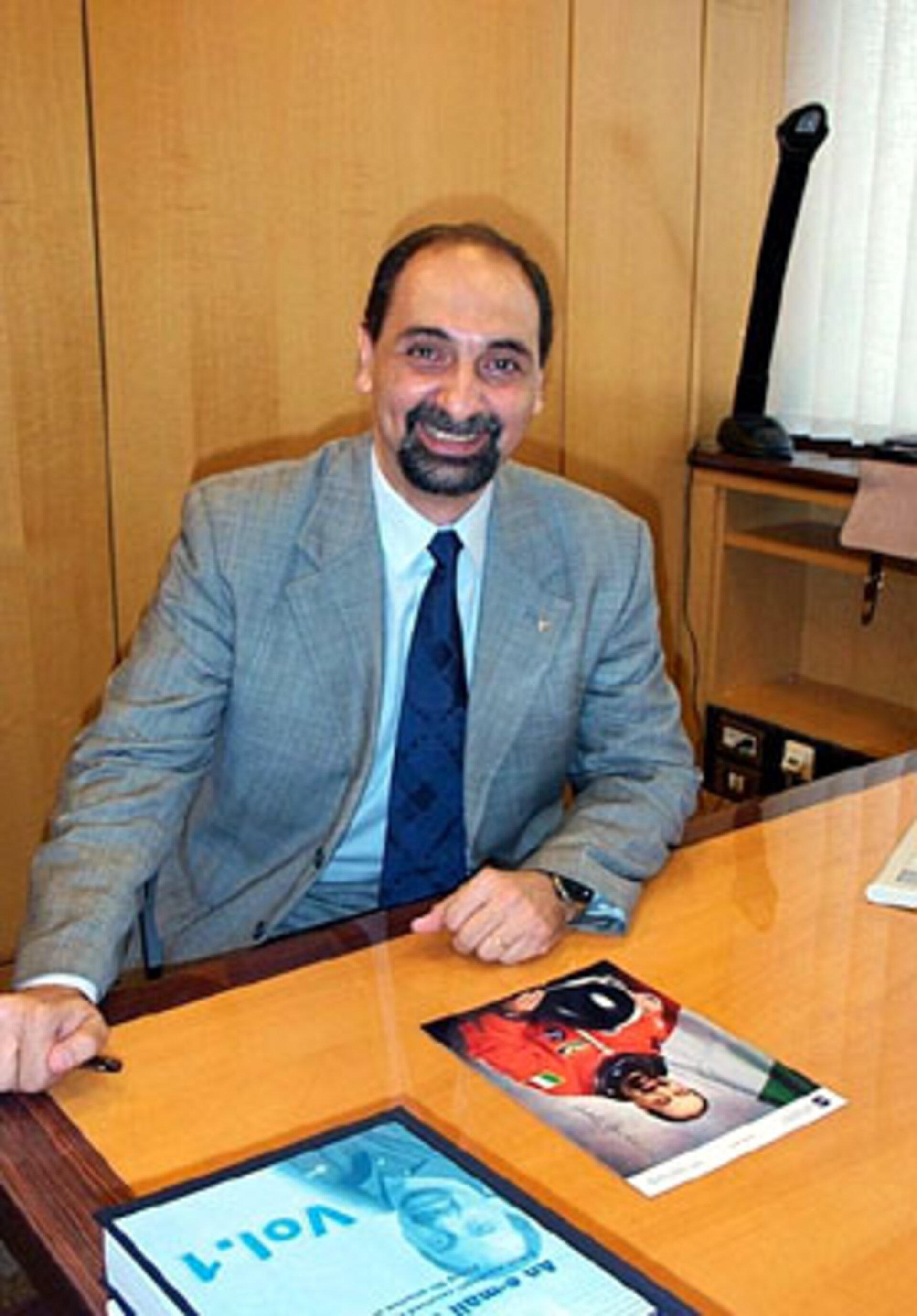 ESA - Umberto Guidoni visits ESRIN