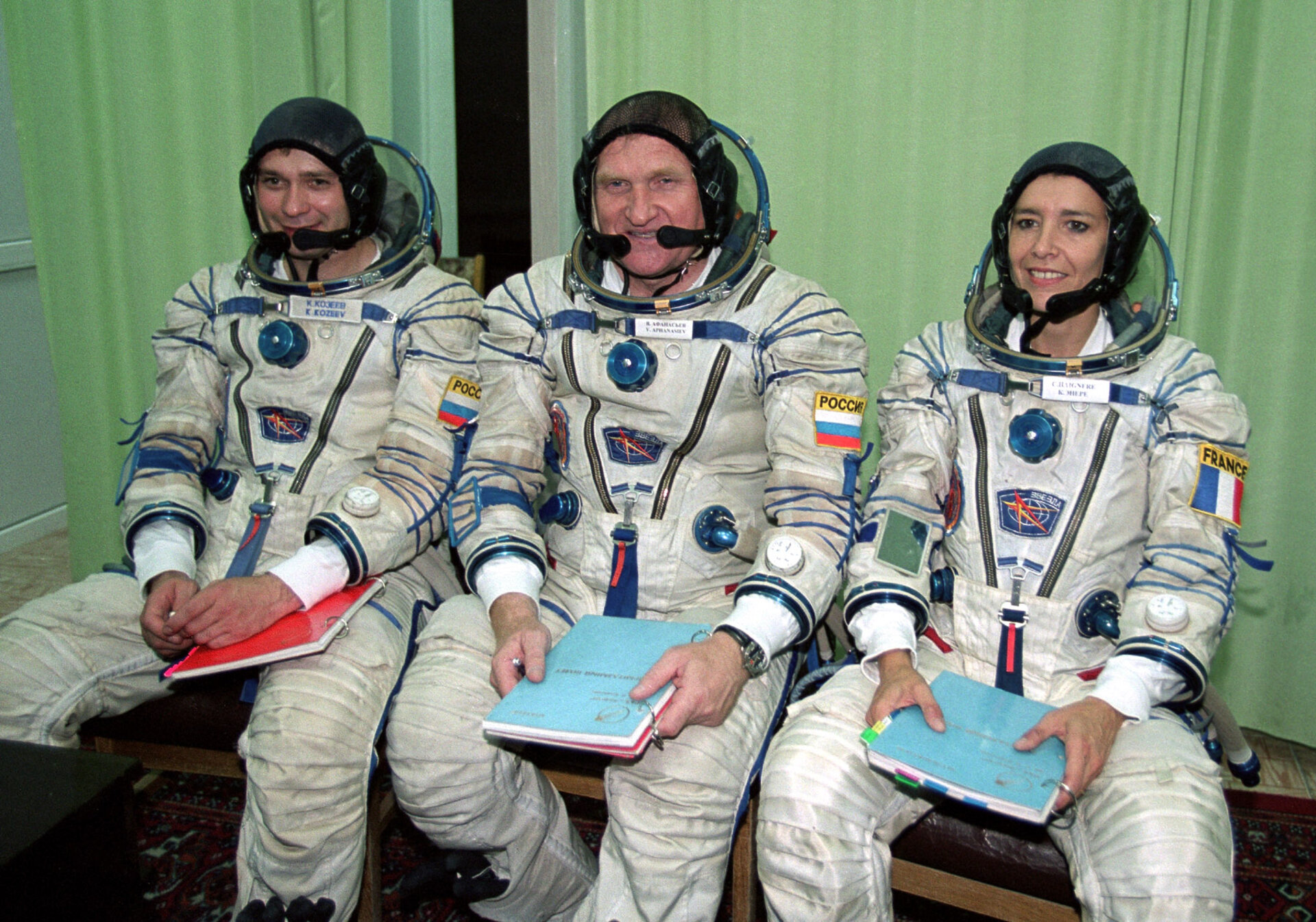 Qualification exams were successful for the Soyuz Taxi 2 crew