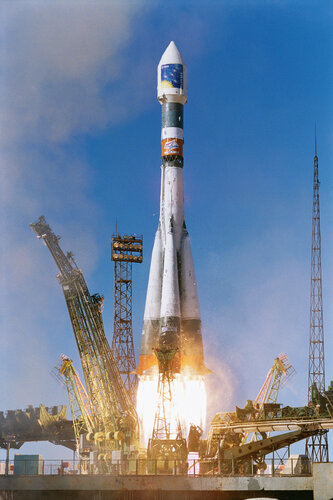 Soyuz-Fregat launch of first pair of Cluster