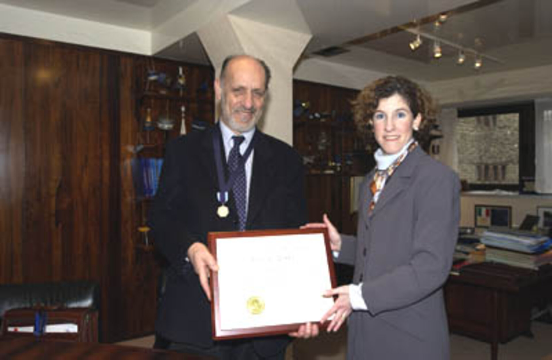 Antonio Rodotà was awarded the NASA Distinguished Public Service Medal