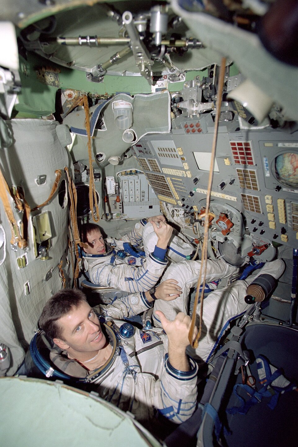 Vittori and De Winne in the Soyuz simulator at Star City, Moscow
