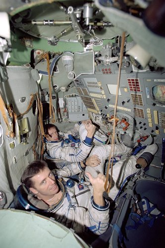 Vittori and De Winne during astronaut training at Star City near Moscow