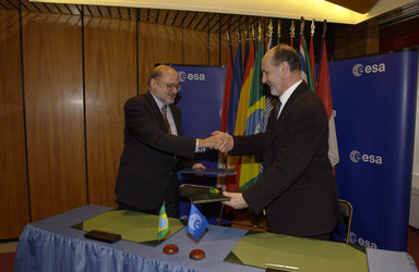 A Framework Cooperation Agreement between ESA and Brazil is signed