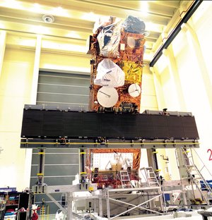 Envisat satellite preparation in ESTEC' s facilities