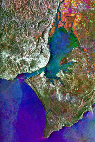 ESA's Earth observation satellites support civil protection