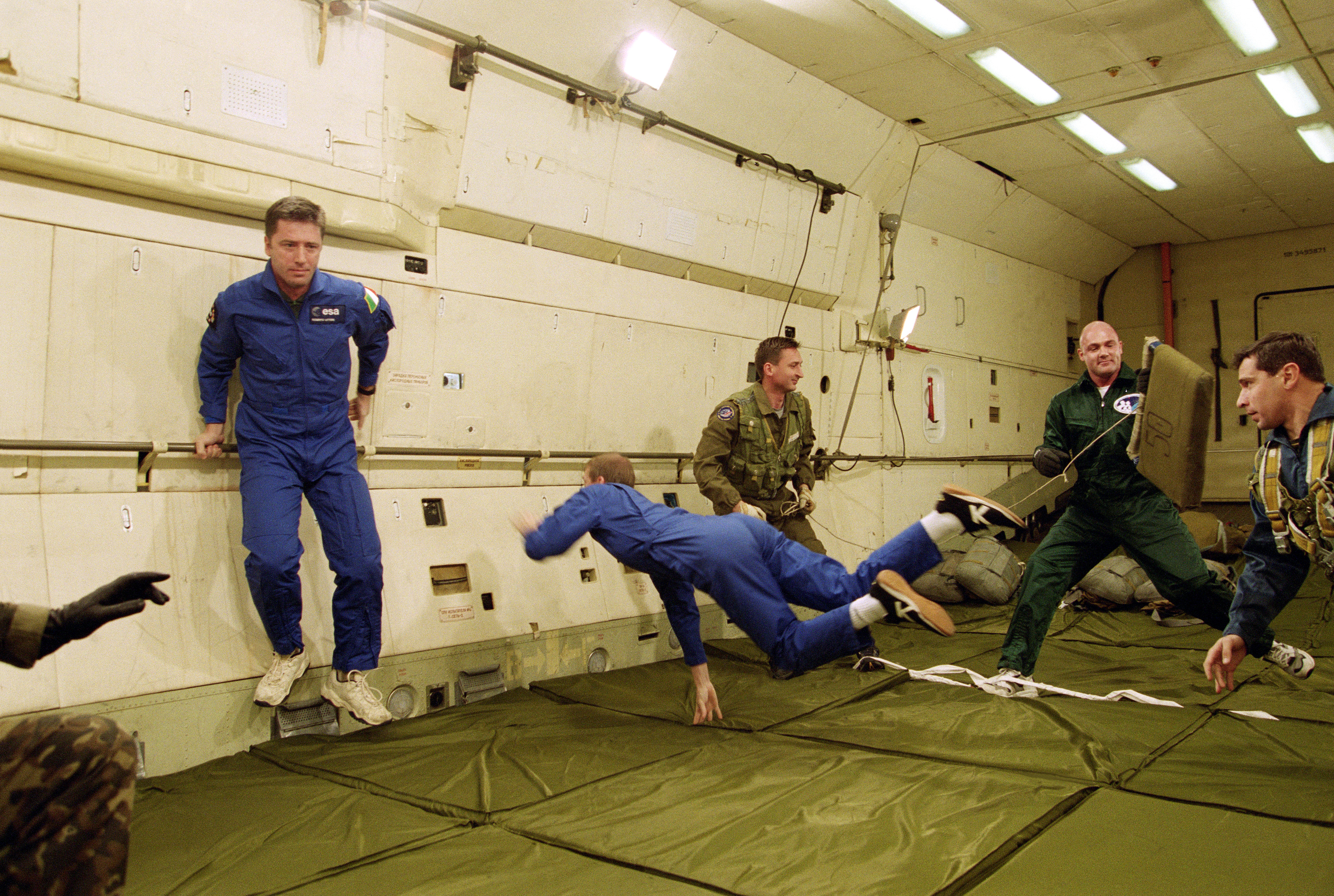 a study on the astronauts experience of zero gravity in space Astronauts first feel the effect of weightlessness when the rocket engines are turned off  without the effect of gravity,  in a shuttle or space station,.