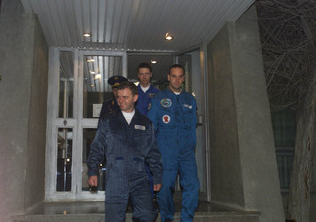 Marco Polo mission crew departure for dons spacesuit at Baikonour  (Thursday 25 April 2002)