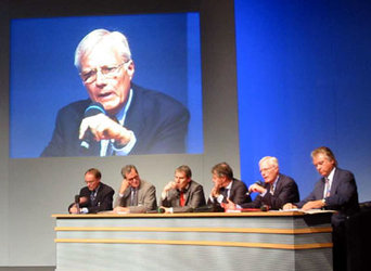 Industry round table panel at ILA2002