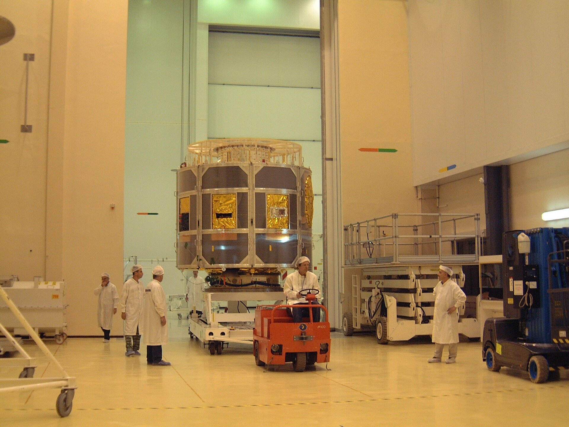 The first of three satellites of the Meteosat Second Generation (MSG) family has arrived at the Guiana Space Center