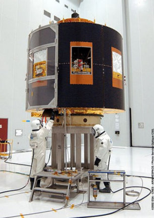 MSG a close-up look at the satellite preparations in the S5 faci