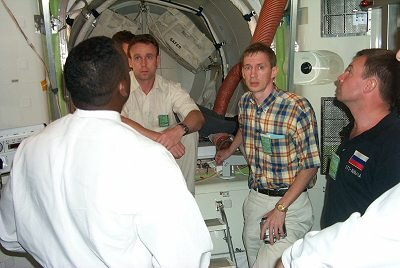 Safety training in the airlock
