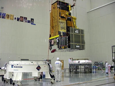 The Integral spacecraft and the Proton adapter, ready for assembly on top of the Proton upper stage