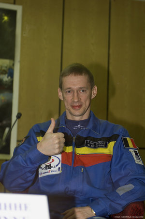 Frank De Winne during the Press Conference for the Odissea mission at Baikonour, 29th October 2002
