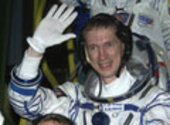 Frank De Winne going up to the Soyuz capsule