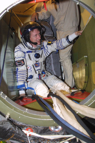 Frank De Winne in the Soyuz-TMA spacecraft