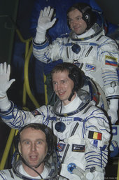 Odissea mission crew going up to the Soyuz capsule