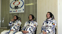 Odissea mission crew wearing their spacesuit before the launch