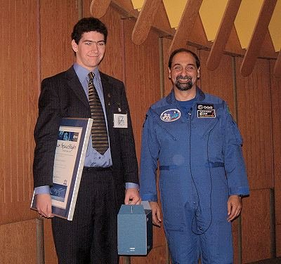 Alastair receives award from Guidoni