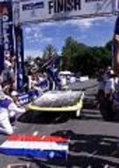 Nuna wins the World Solar Challenge 2001, Australia