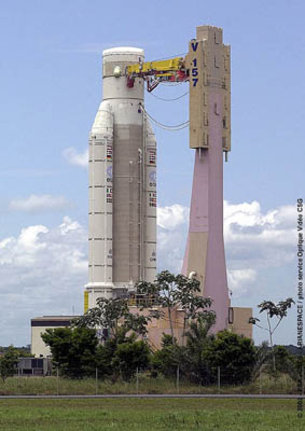 Flight 157 - Ariane 5 moves to the final assembly facilty