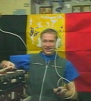 Frank De Winne on board ISS during an inflight call with his family and friends