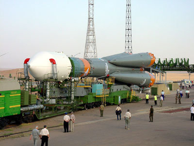 Roll-out of the Soyuz-Fregat launcher