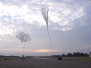 Launch of stratospheric balloon carrying the SPIRALE instrument