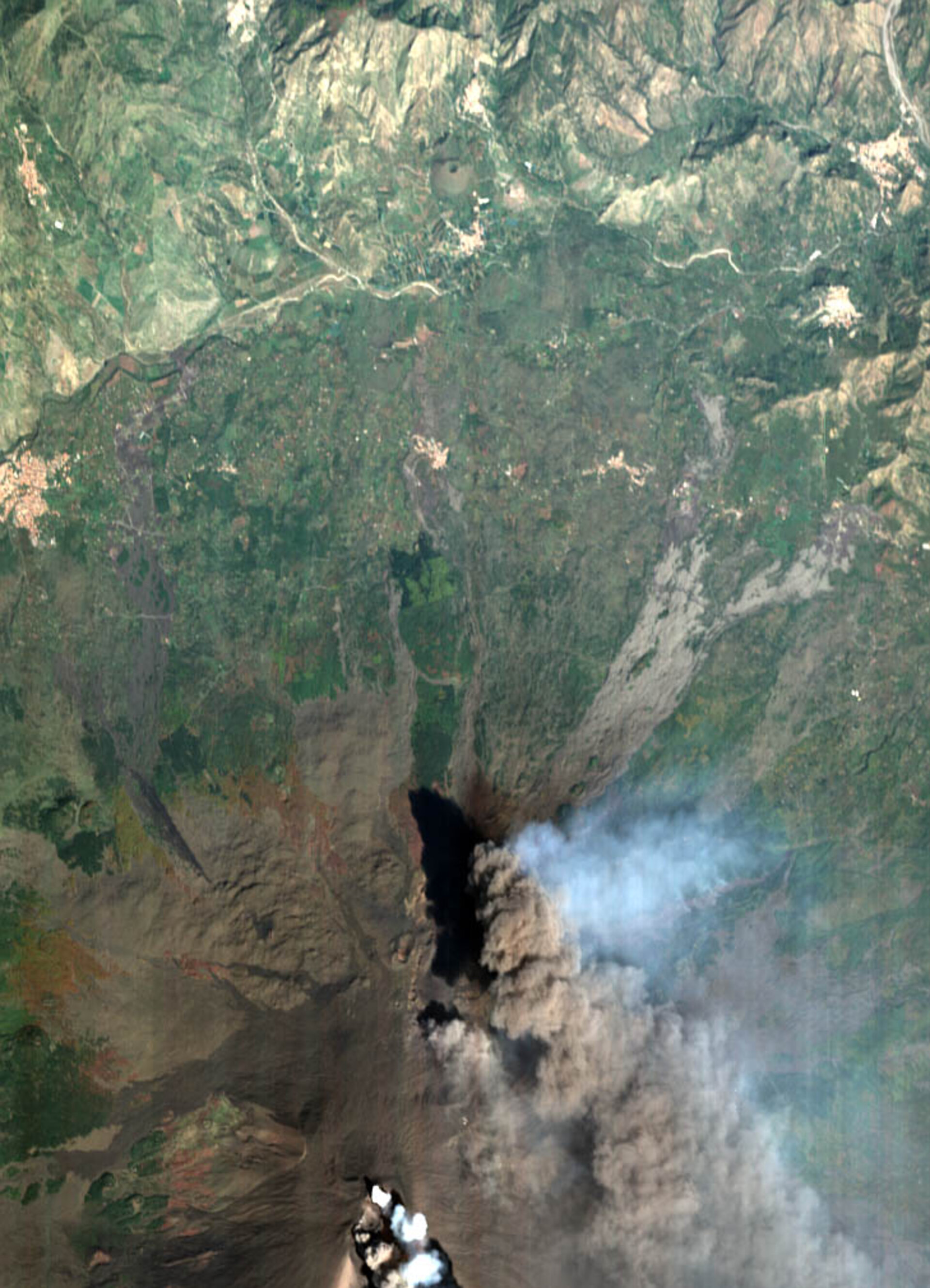 The Etna crater, Italy - CHRIS image - 30 October 2002