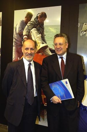 Commissioner Philippe Busquin (right) and ESA Director General, Antonio Rodotà