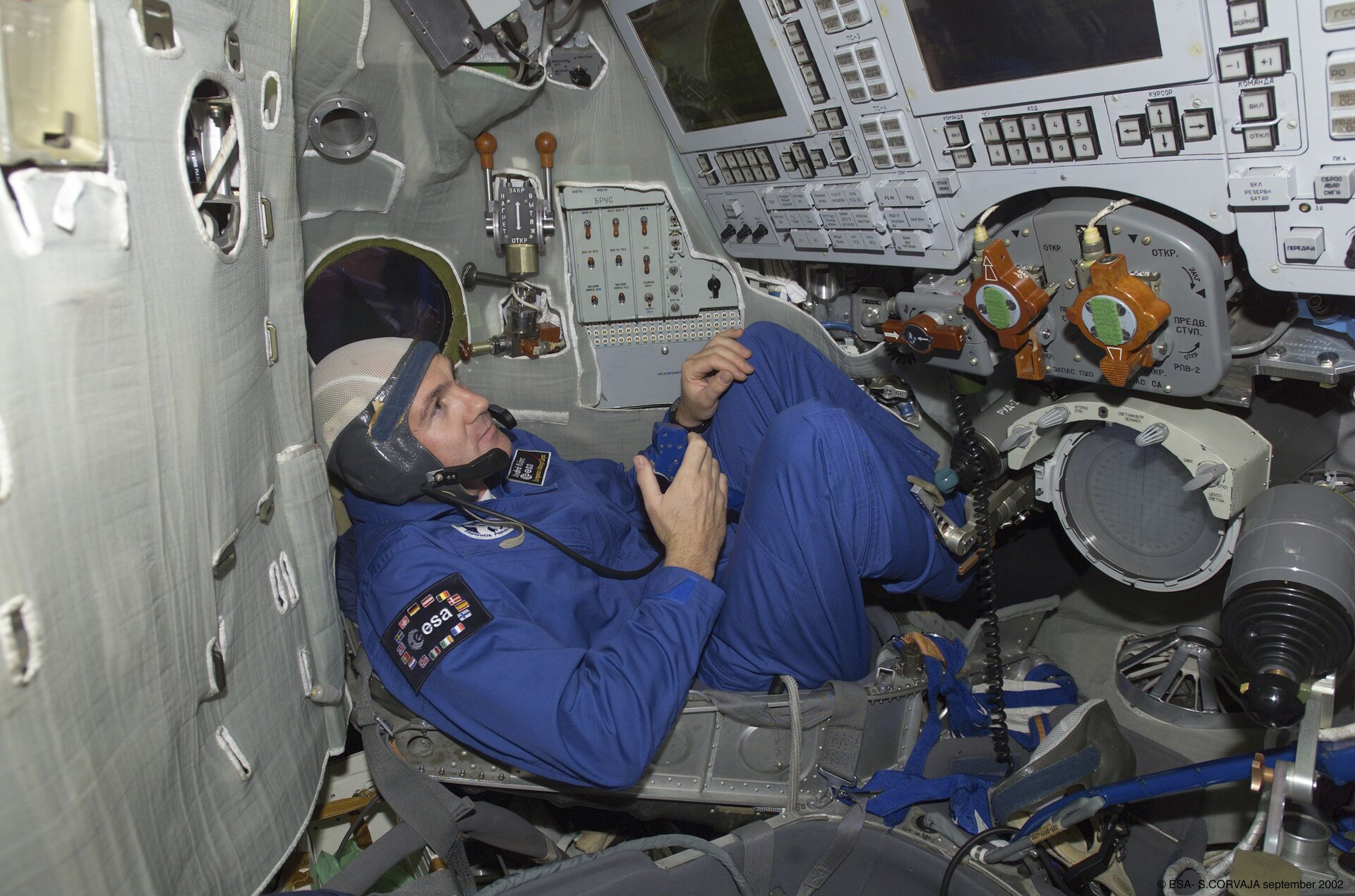 Andre Kuipers in the Soyuz simulator at Star City
