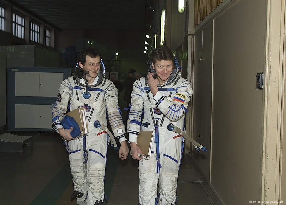 Pedro Duque during training at Star City, with Russian cosmonaut Gennady Padalka