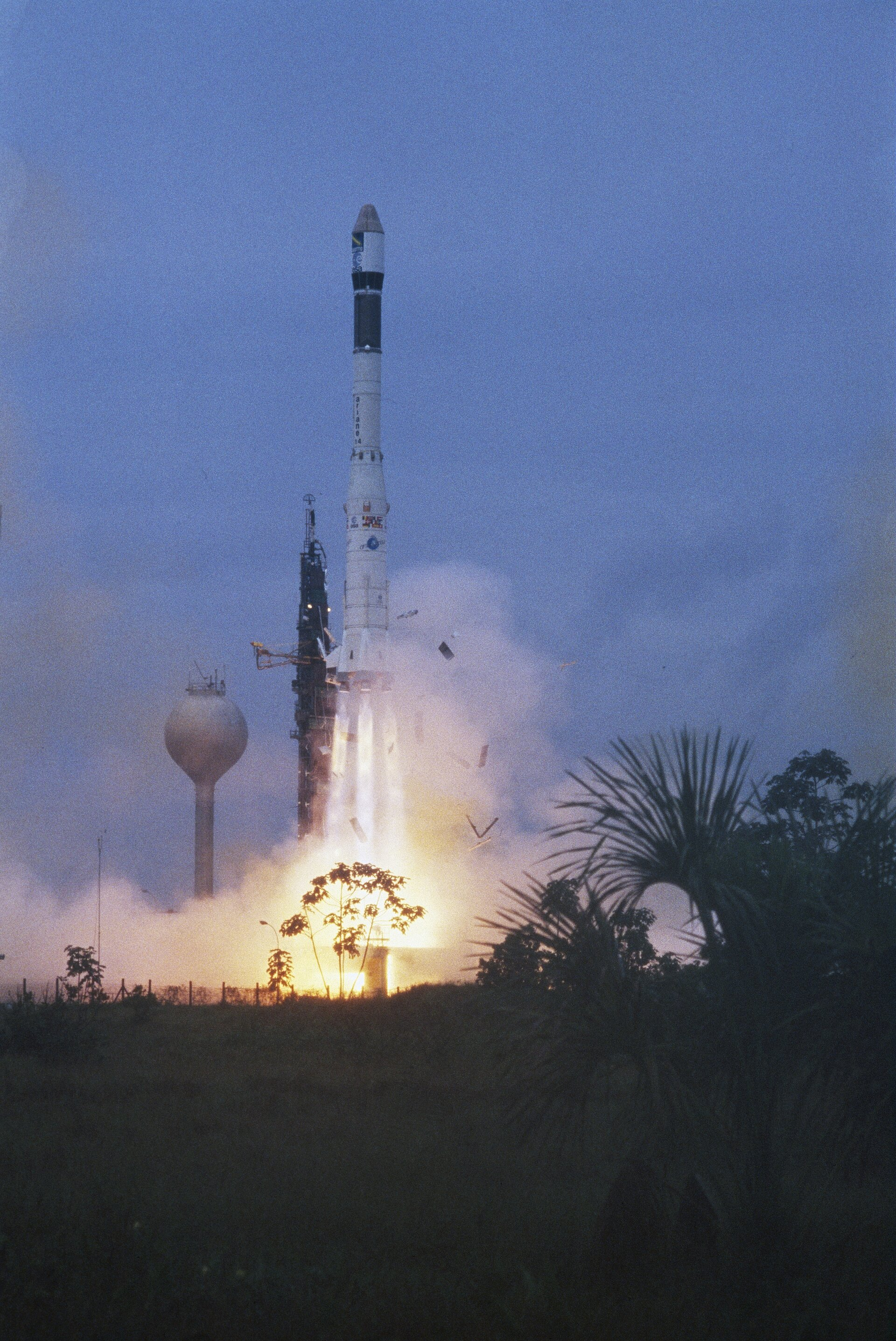 Ariane-1 rocket, with Giotto on board, blasts off