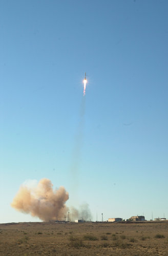 Liftoff  for  first pair of Cluster satellites